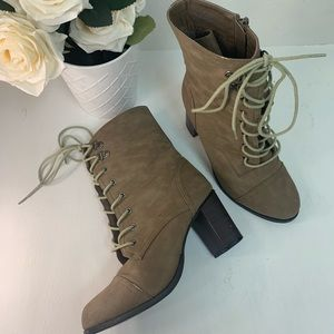🍁Tan fall time heeled boots